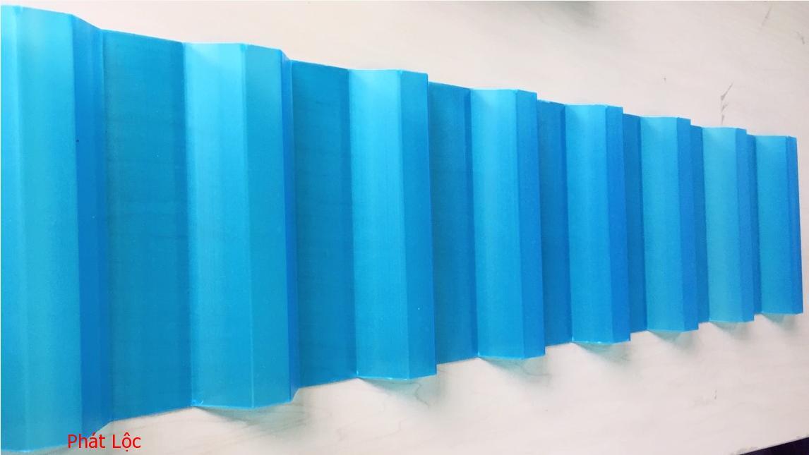 Báo giá tấm nhựa lợp mái Eurolines màu xanh